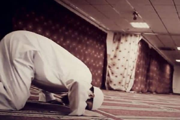 Fatwa Ulama: Membaca Doa Dari Al Qur'an Ketika Sujud